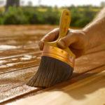 Какие выбрать краски по дереву для наружных работ: разновидности и советы